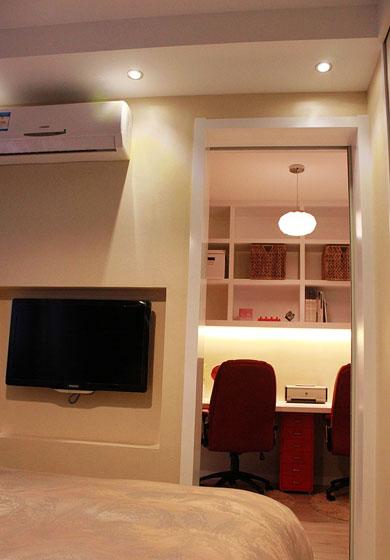 现代简约风格51 80㎡两室一厅卧室电视背景墙装修效果图高清图片